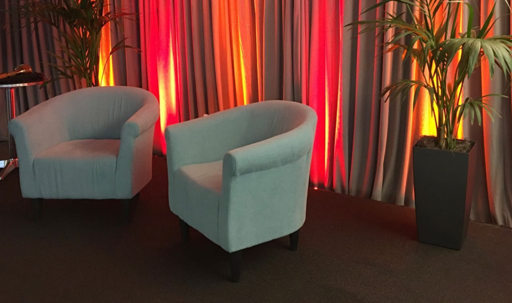 Corporate Video Webast Talk Set