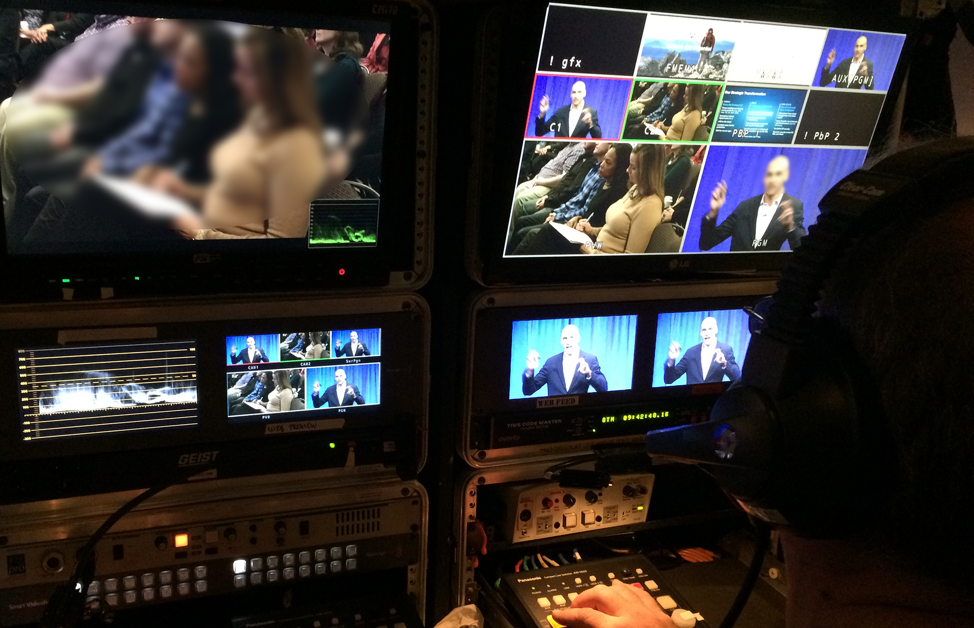 Video fly pack for live video webcast switching
